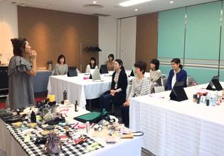 NHKカルチャー梅田教室にて、合宿型メイクレッスンを行いました