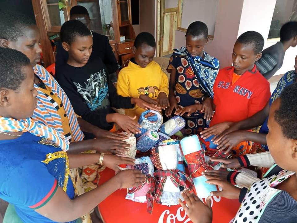 CHR Masaai Girls and Blankets