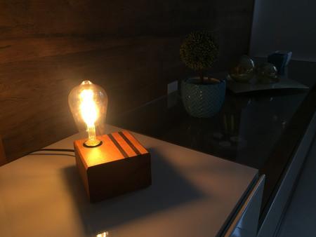 luminaria-marchetada-imbuia-acesa.jpg