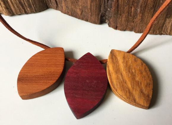Colar Madeiras Nobres - Trio Folhas