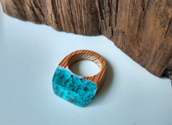Anel Madeira e Resina - Secret Azul Claro