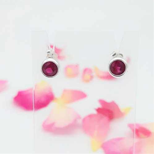 MAGENTA STUD EARRINGS