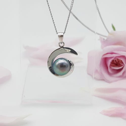 STERLING SILVER SCROLL WITH BLACK PEARL