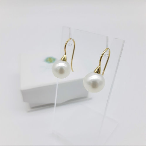 18 CT YELLOW GOLD ROUND FRESHWATER PEARL HOOK EARRINGS
