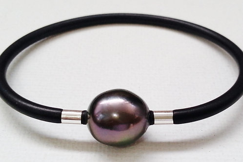 BLACK PEARL BANGLE