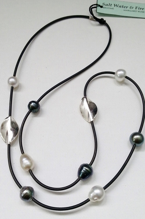 BLACK & WHITE SOUTH SEA PEARL NECKLACE