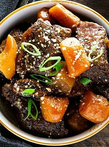 조리된 갈비찜 BRAISED SHORT RIB,  2-3인분/SERVINGS