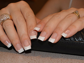 DIY French manicure acrylic nails !
