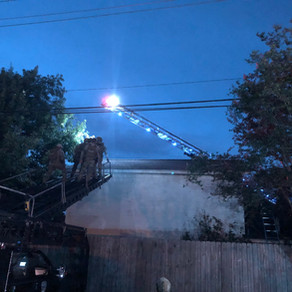 Houston Police SWAT deploy MARS to resolve roof standoff situation