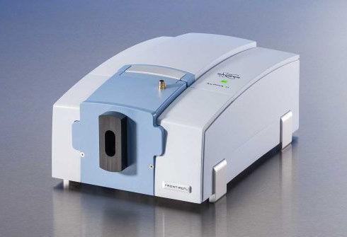 equipo_de_laboratorio_espectrometro_FTIR
