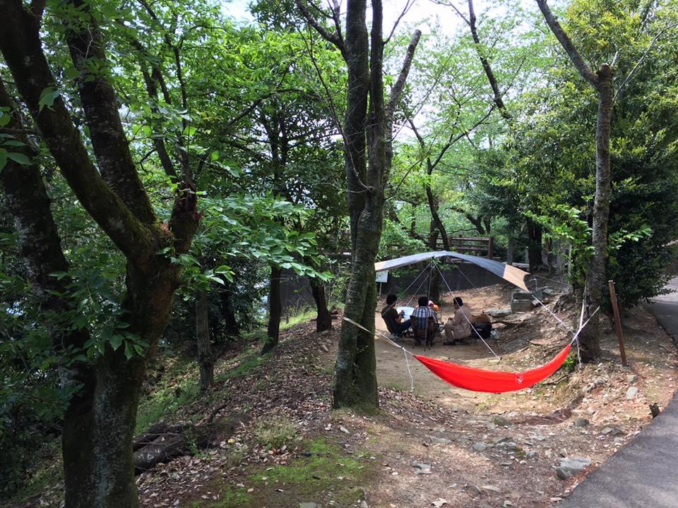 美濃田の淵側 パーゴラ横