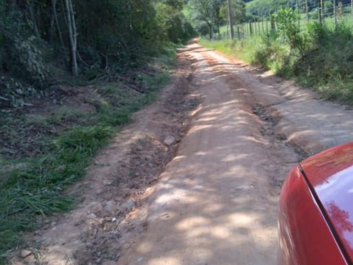 Moradores reclamam da situação das estradas