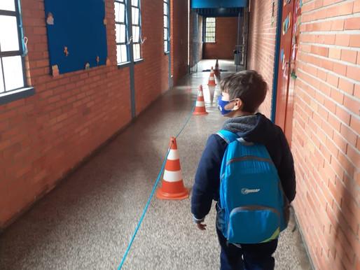 Escolas estaduais retomam as aulas