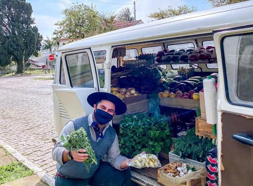 A Kombi do Gaúcho leva produtos na sua casa