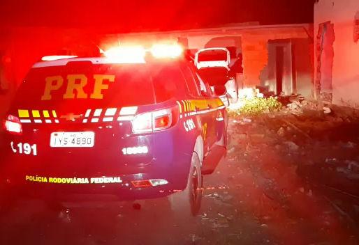 PRF resgata dois caminhoneiros sequestrados