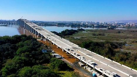 DNIT alerta para estreitamentos de pista em função dasobras da Nova Ponte do Guaíba