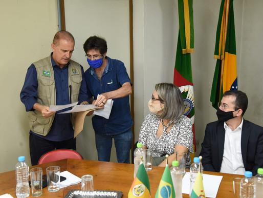 Gomes Jardim busca apoio para cobertura do quadra esportiva