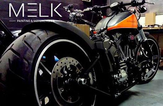 Peinture Breakout orang et noir mat Harley-Davidson