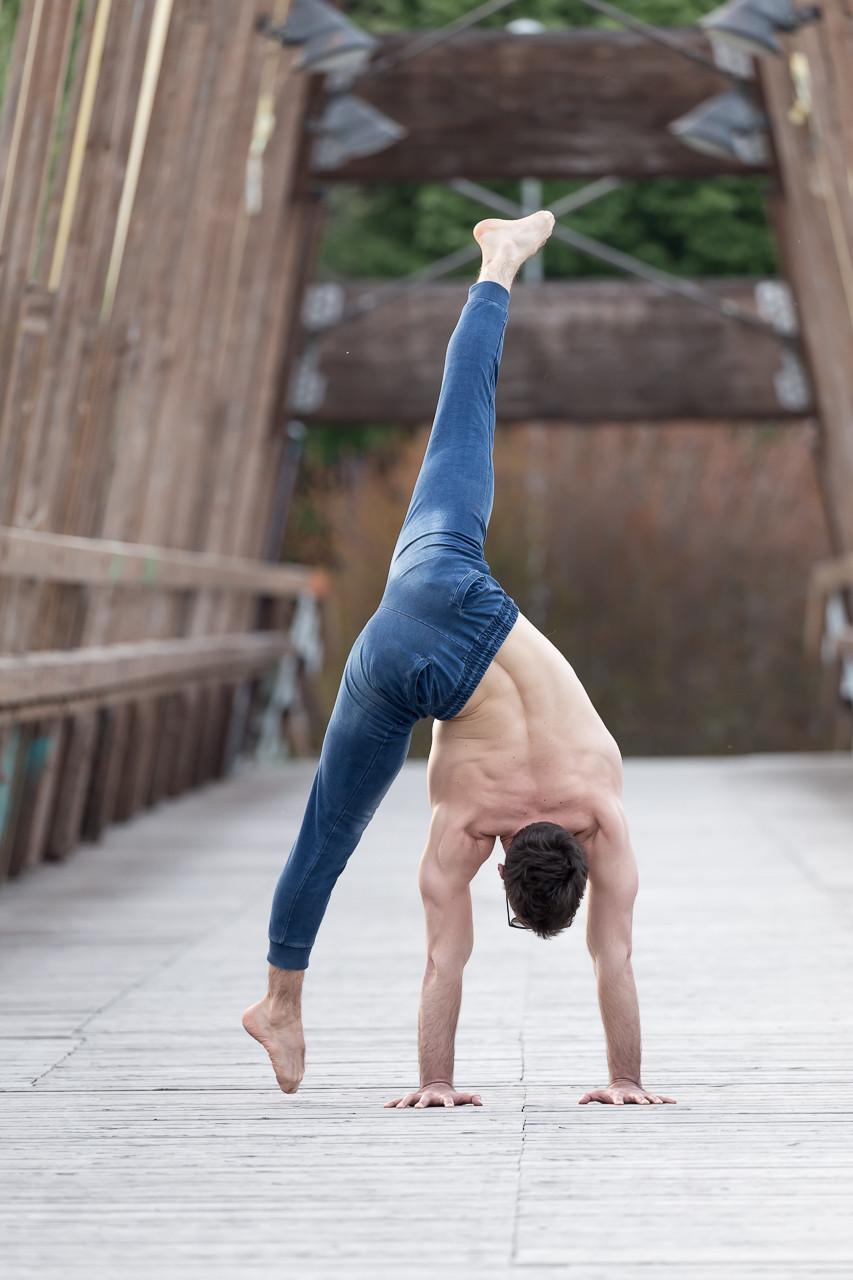 Side flex Handstand