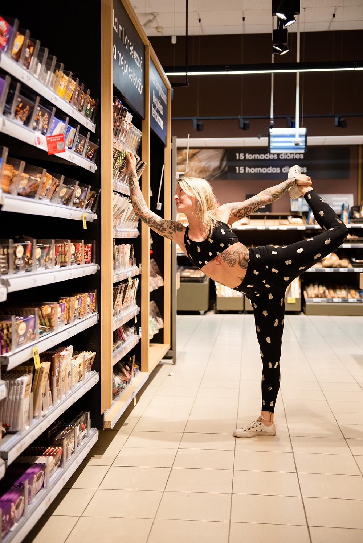 Dancer pose at the Supermarket