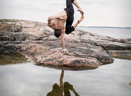 ALL ABOUT HANDSTANDS: Andrey