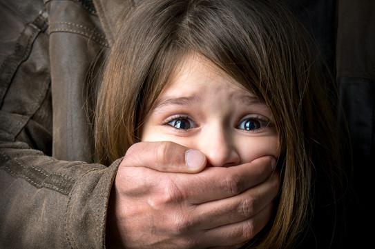 child-abuse-38917228.jpg