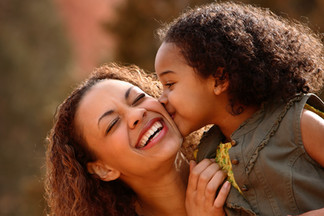 mother-and-child-3243265.jpg