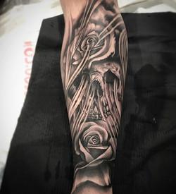 Skull amd roses #shinpiece.jpg