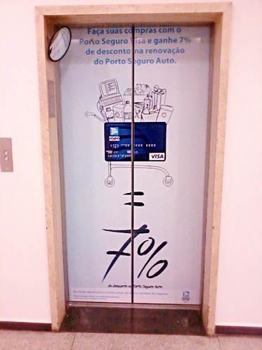 Envelopamento da Porta dos Elevadores da Porto Seguro