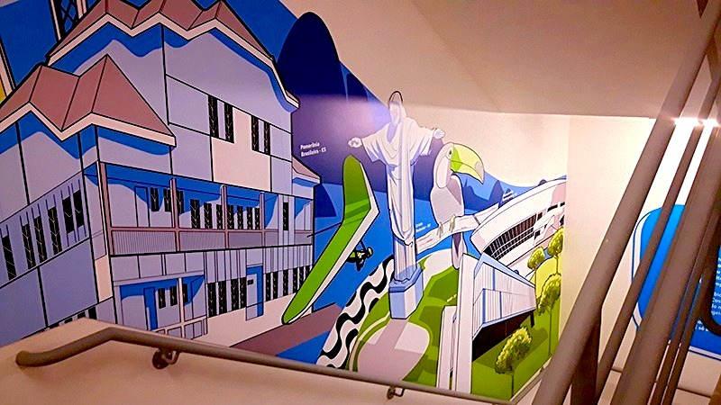 Arte Aplicada em PS de 1mm para Escada de Incêndio do Prédio da Porto Seguro