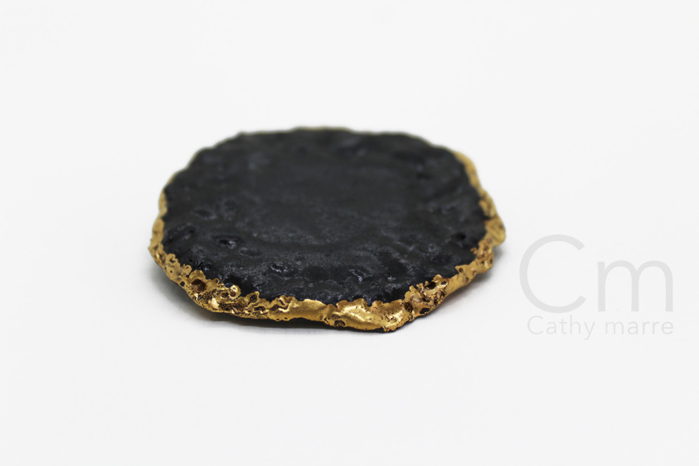 Broche golden Coal II