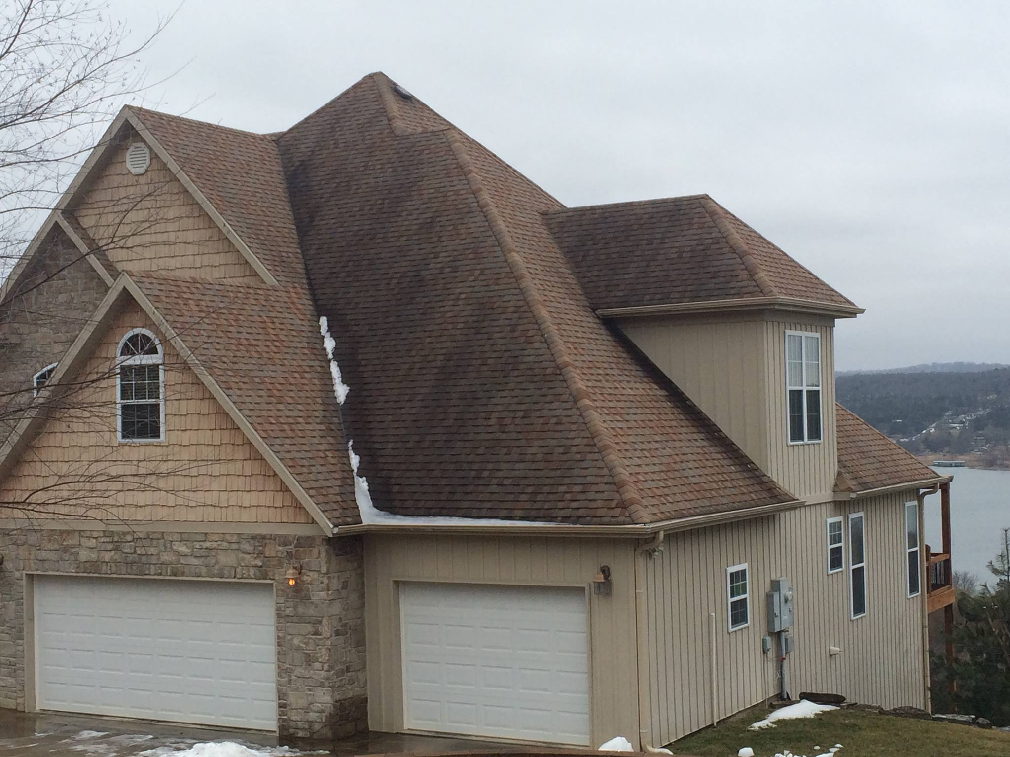 Roof Power Cleaning Branson Area