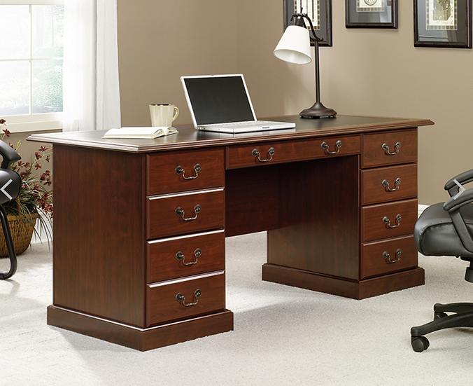 Sauder: Heritage Hill Executive Desk