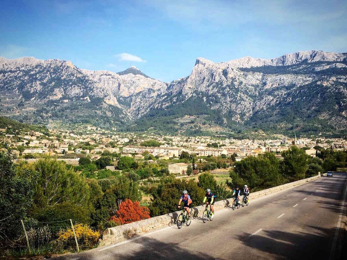 cycling-port-soller-mallorca.jpg
