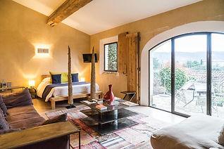 Capelongue-rooms.jpg