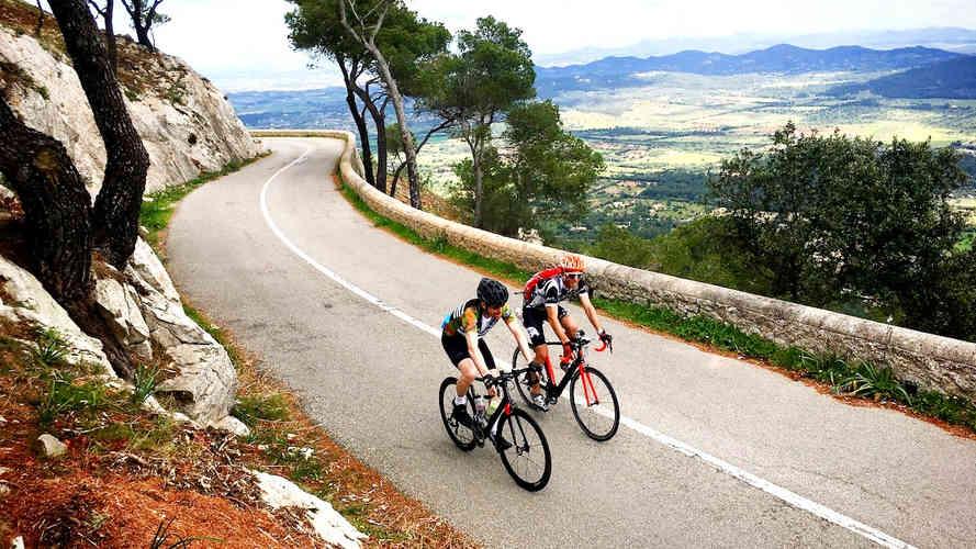 Guided cycling trips mallorca_edited.jpg