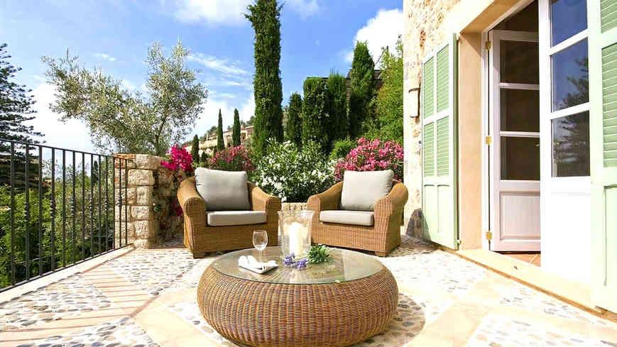 Sa_llupia_deia_terrace.jpg