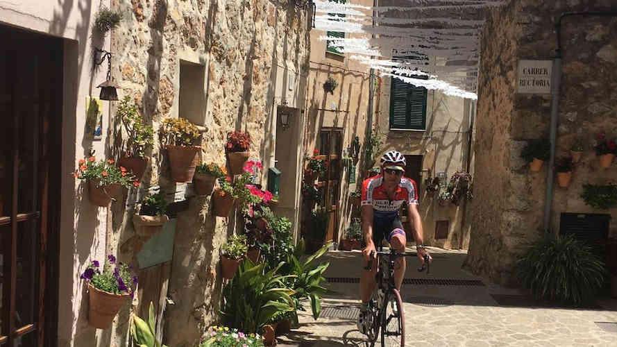 Valldemossa-cycling-mallorca.jpg
