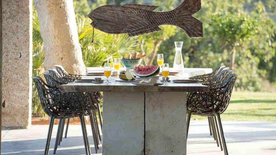 Can_gelat_baix_outdoor_dining.jpg