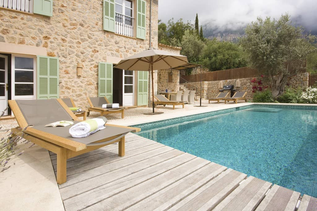 Sa_llupia_deia_pool_terrace.jpg