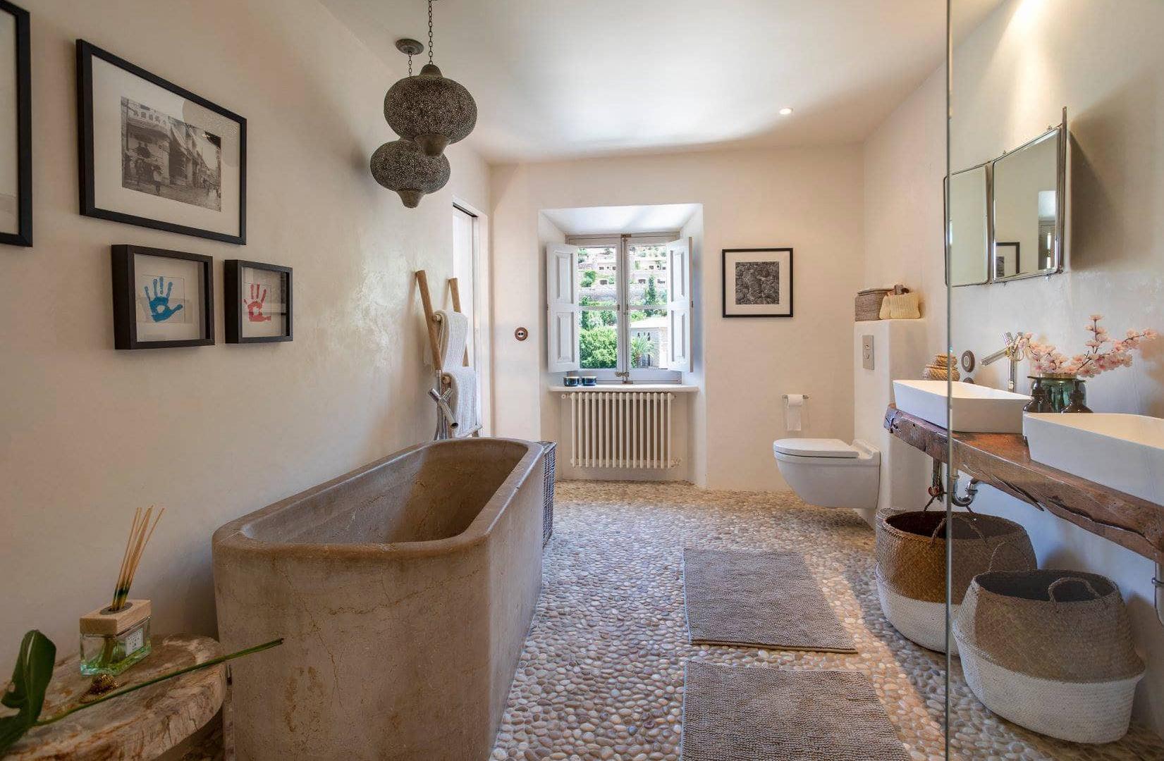 casa_nama_deia_toilet.jpg