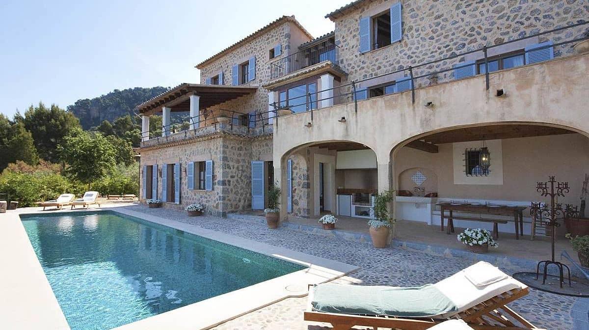ca_na_mar_deia_pool_and_house.jpg