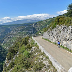 Gorges-de-la-Nesque-cycling.jpg
