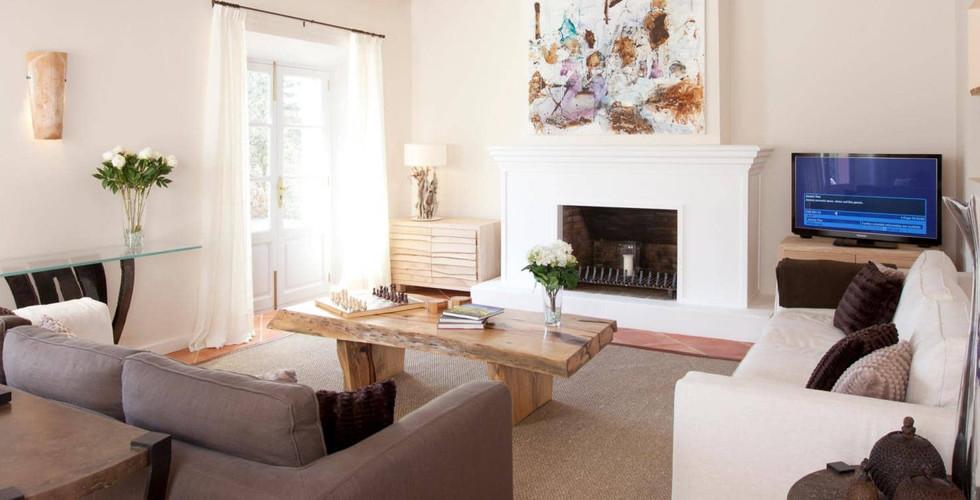 Sa_llupia_deia_living_room.jpg
