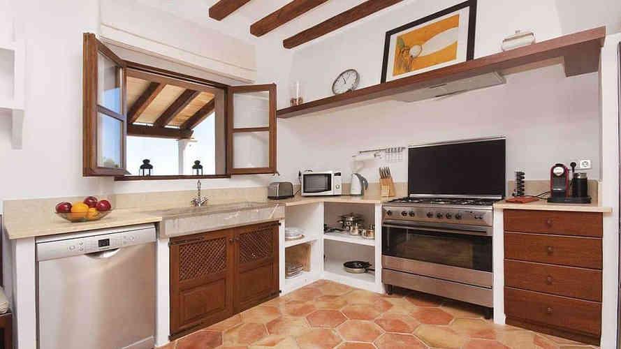 ca_na_mar_deia_kitchen.jpg