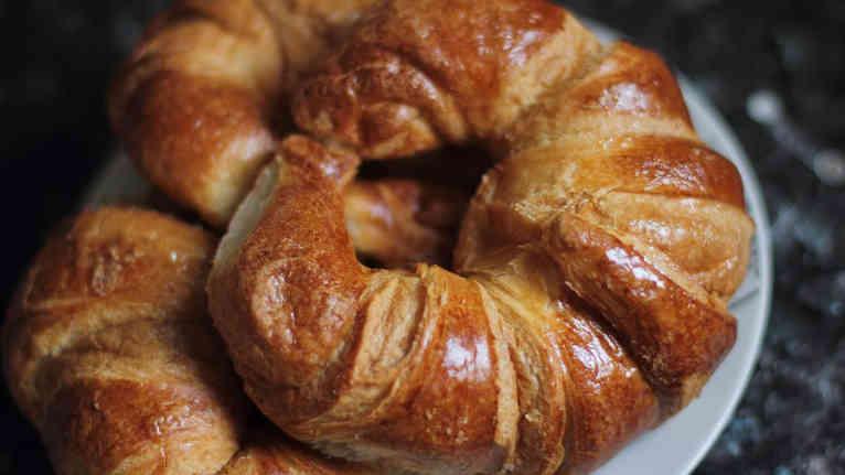 croissant-3836578_1280.jpg