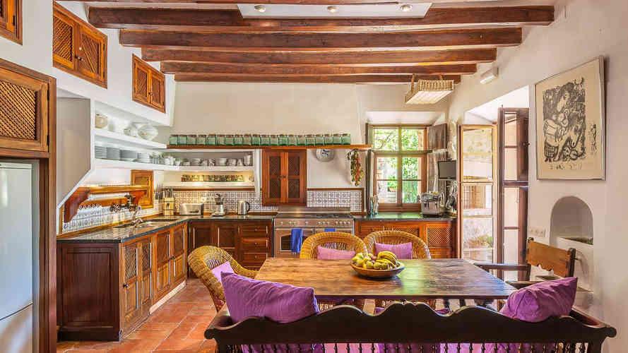 Son_Salas_Soller_kitchen.jpg
