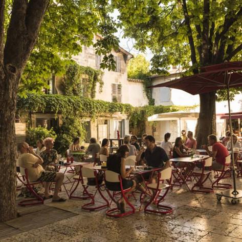 St-remy-de-provence-square.jpg