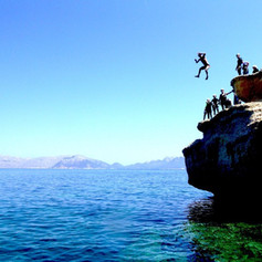Family-holidays-coasteering-mallorca.jpg