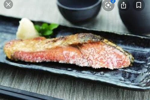 塩鮭焼いちゃいましたBaked seasoned Norway salmon